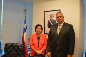 Aurora Williams, ministra de minería de Chile, y Victor Cano, viceministro de inversión y exploración ecominera de Venezuela