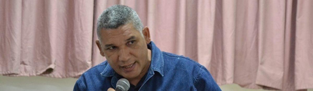Debate de propuestas para la Constituyente con trabajadores de la antigua Loma de Níquel