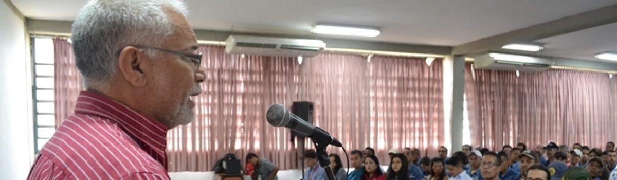 Trabajadores de la antigua Loma de Níquel debaten propuestas para la Constituyente