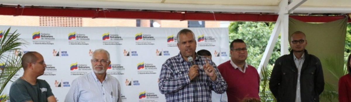 Realizada asamblea de trabajadores y trabajadoras del Mppdme con el ministro Víctor Cano
