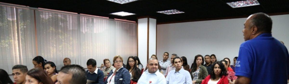 """Trabajadores del Mppdme conocieron """"El Legado Geográfico de Hugo Chávez Frías"""""""