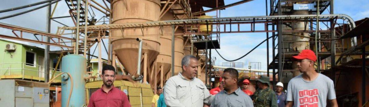 Pequeña minería recibe insumos y acompañamiento especializado para aumentar producción de oro