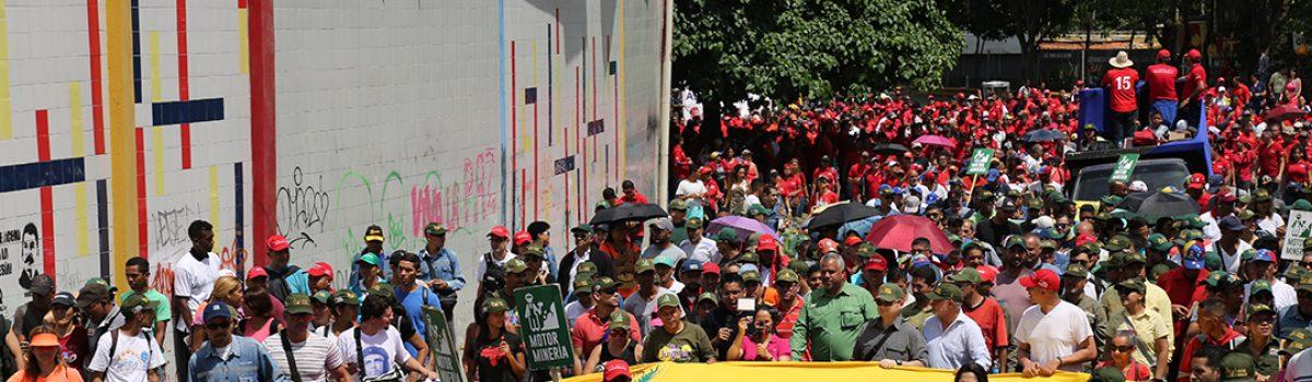 Trabajadores mineros marcharon para conmemorar el Día del Trabajador