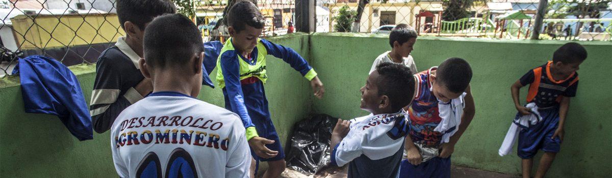 Venezuela promueve protección de los derechos de la infancia en zonas mineras