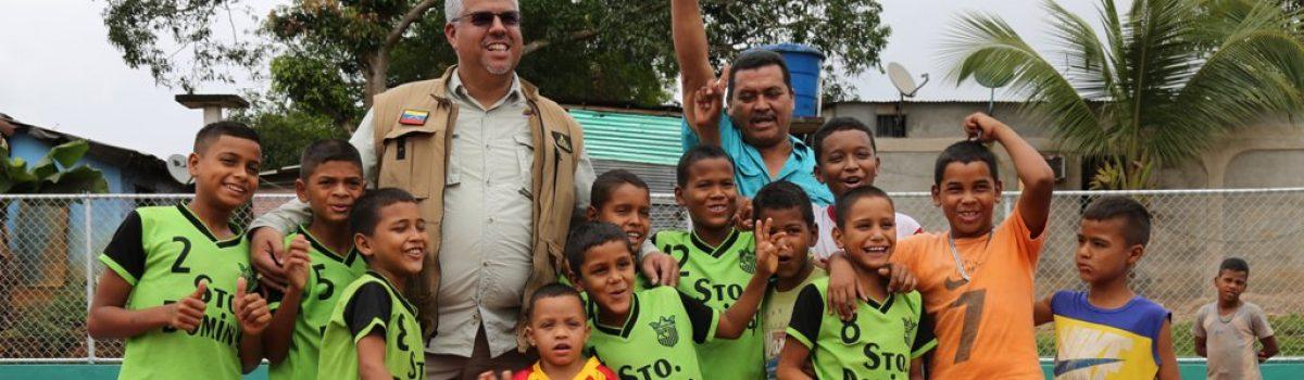 Siembra Minera le mete el pecho a escuelas, canchas y núcleos culturales